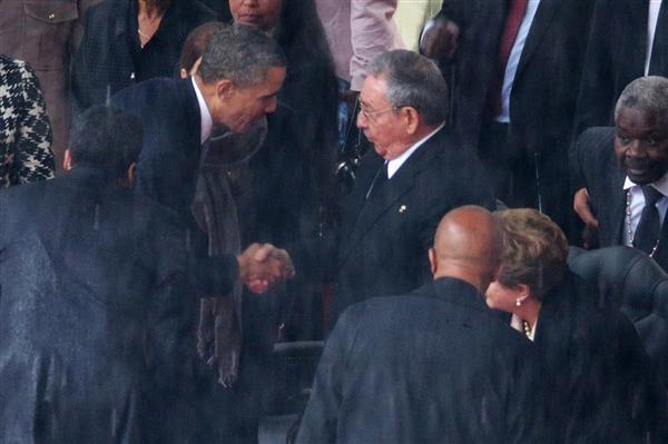 Obama-castro-hmed-650a.photoblog600